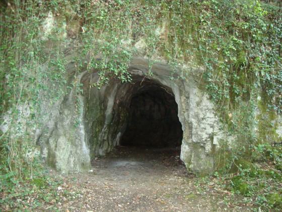 Grotte de Nuits-Saint-Georges