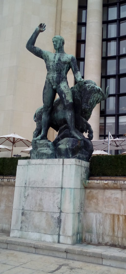 Hercule et le taureau