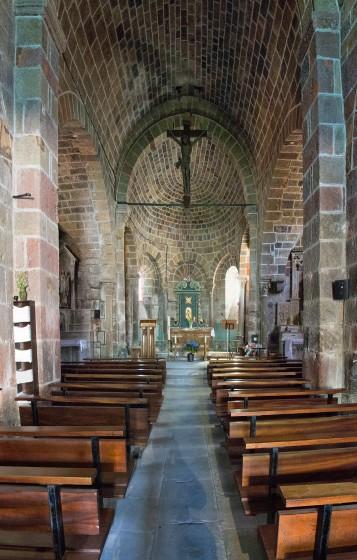 L'intérieur de l'église de Saint Christophe sur Dolaizon