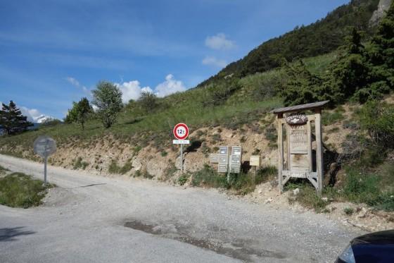 Les Boites aux lettres sur le coté droit de la route