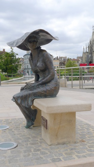 """Lili ou """"la dame au chapeau"""""""