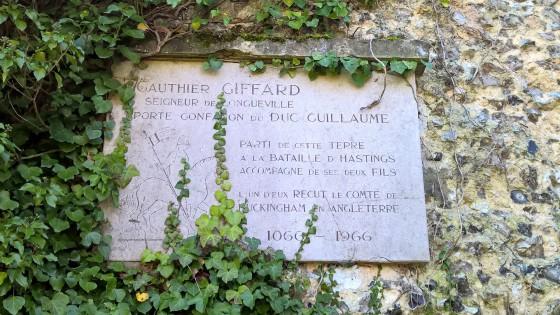 Ruines du château féodal de Longueville-Sur-Scie.
