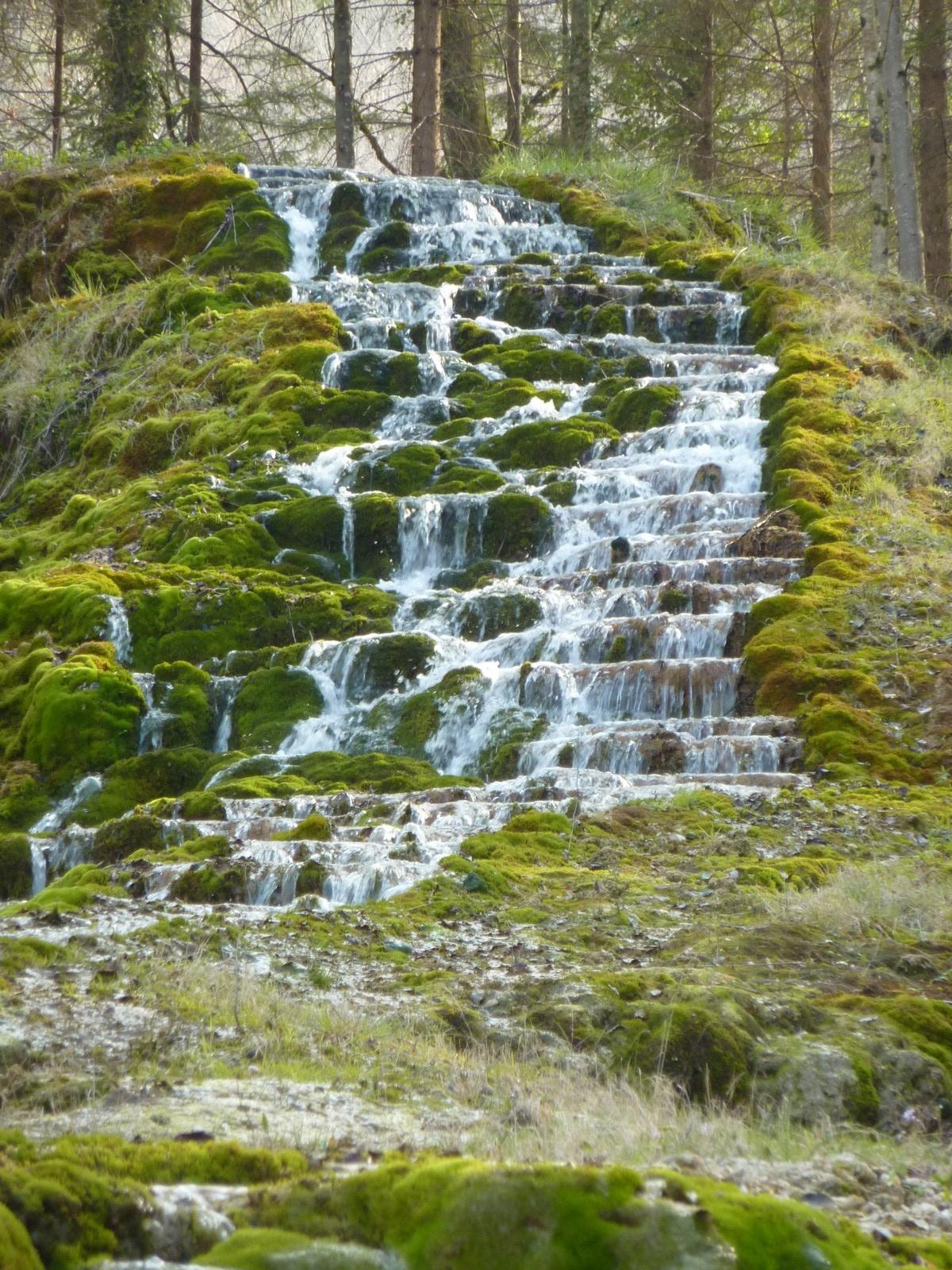 Photo cascade d 39 tufs for Cascada par