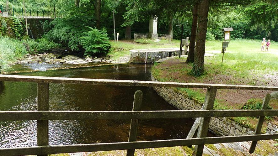 Photo l 39 alzeau et la prise d 39 eau pour la rigole for Rigole d evacuation d eau