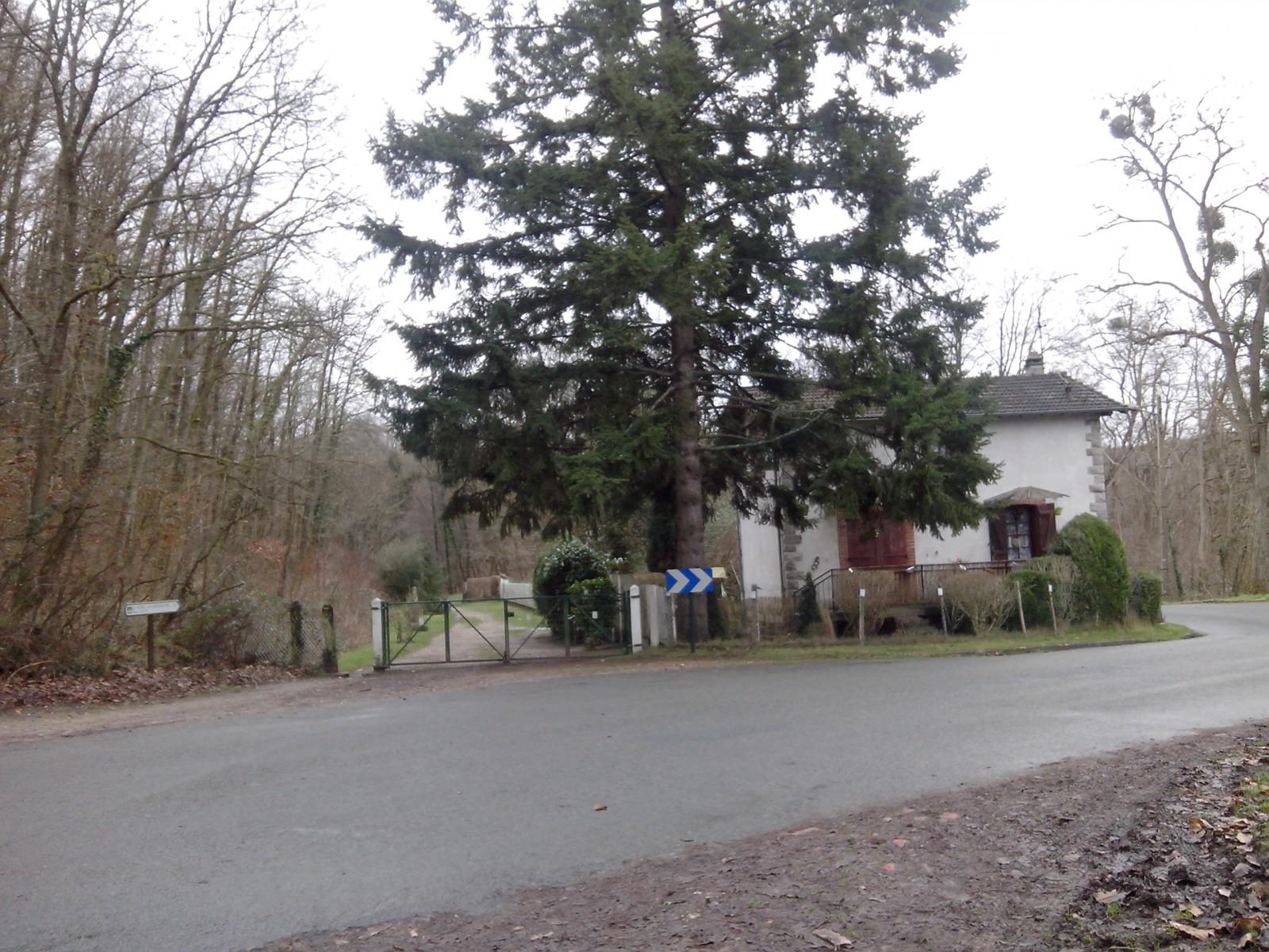 Photo ancienne maison de garde barri re for Ancienne maison des gardes