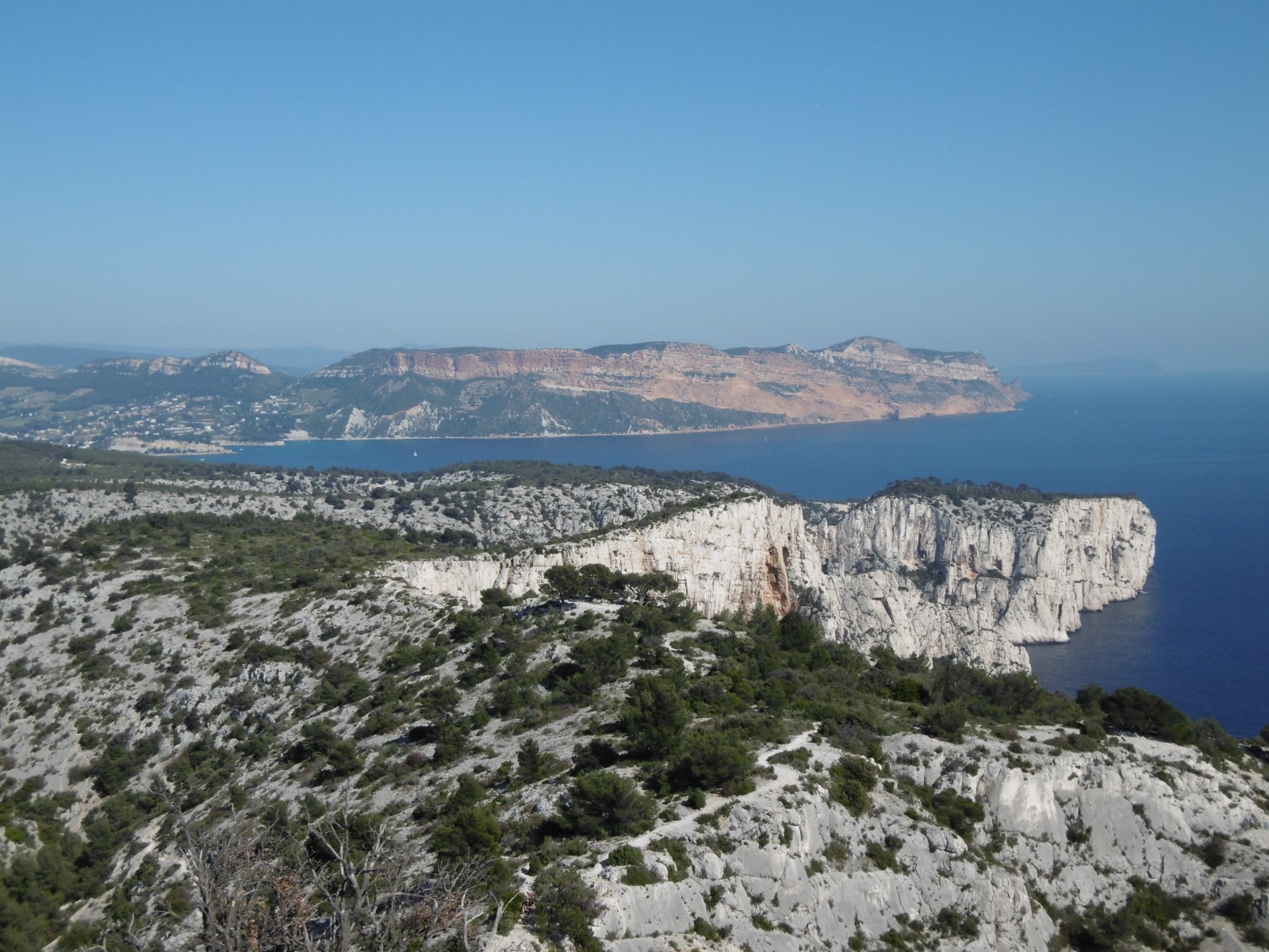 photo panorama sur cassis et le cap canaille. Black Bedroom Furniture Sets. Home Design Ideas