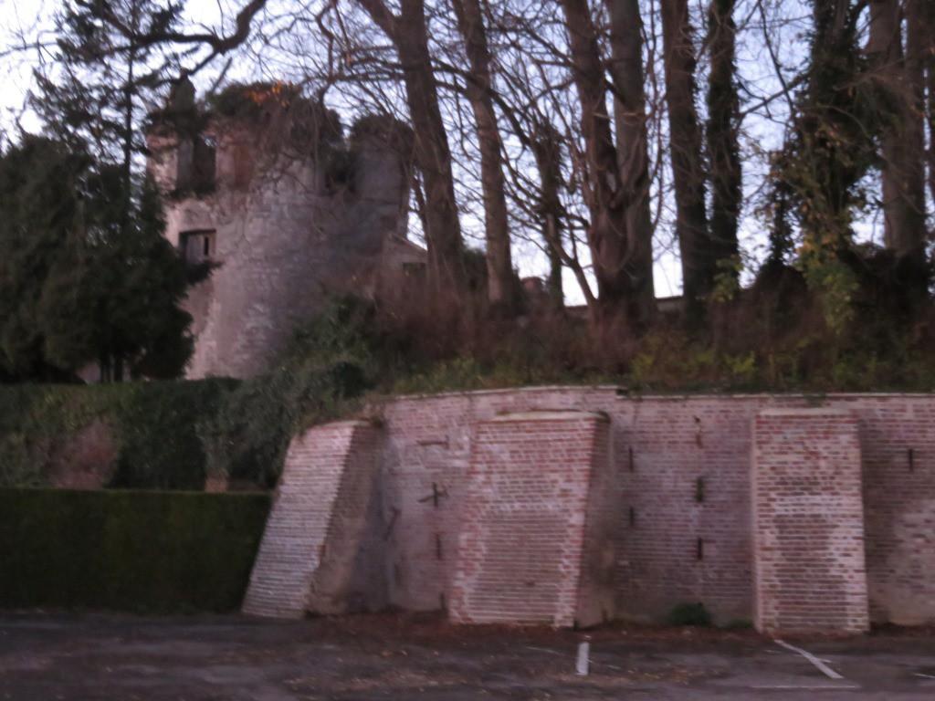 Rencontrer n dans les ruines de son chateau