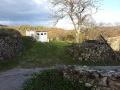 À l'entrée du hameau du Serret