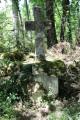 Ancienne croix dans le bois des Dubes