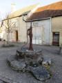 Ancienne pompe à bras à Prissac