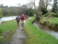 au départ de la randonnée, après le terrain de sport, sur le chemin entre le Condat et l'étang de Gourvineg