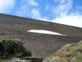 Au pied du barrage d'Araing