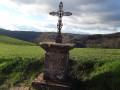 Belle croix,180 m après le cimetière