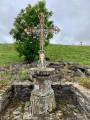 Belle croix peinte ...