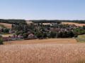 Belle perspective sur le village de Villiers-Louis
