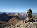 Cairn entre le pic du Montcalm et la Pique d'Estats