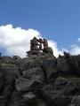 Cairns entre lacs Faravel et Paluel