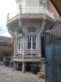 Cour de la maison Lalique