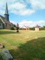 Eglise et puits octogonal