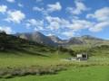 Enclos à bétail avec Mont Faucon et Arbizon au fond de ce décor
