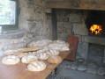 Le four à pain et la croix auvergnate de Chastreix