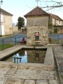 Germigny sous Coulombs. La fontaine