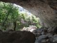 Grotte dans la gorge