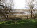 Ici, le chemin surplombe la Loire