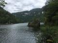 Le tour du Lac de Moron de part et d'autre de la frontière