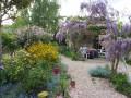 jardin fleuri à la haute épine