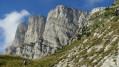 L'impressionnante barre rocheuse du Grand Veymont