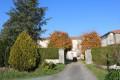 La cour du château de Fontaines