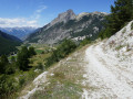 La piste du Jalavez arrive bientôt au-dessus de Ceillac
