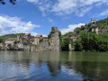 Laroque-des-Arcs sur la rive opposée du Lot