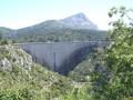 Chemin de Roques Hautes depuis le barrage de Bimont