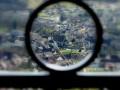 La Vallée de la Brême : Le prieuré, la Roche du Grand et le château