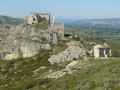 The Castellas de Roquemartine, the Crête du Defens, and the Grottes de Calès caves