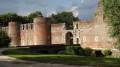 En passant par la Fontaine de Sainte-Radegonde et le château du Hallier