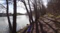 Le chemin de randonnée longe l'étang du Bourg