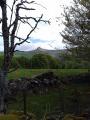 Le Roc de Courlande à travers les prés d'estives
