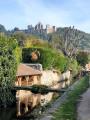 Le long de l'Yvette avec vue sur le château de la Madeleine
