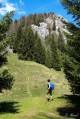 Le sentier qui se dirige vers le Roc de Four Magnin lorsqu'on arrive sur le Char...
