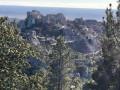 Les Crêtes de Baumayrane, le Val d'Enfer et la plaine oléicole