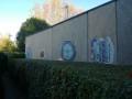Mosaïque sur mur arrière de maison