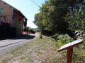 """Panneau pédagogique 5 """"Sifflement lointain du train"""" au niveau de l'ancienne gare d'Esparron sur l'ancienne VF Nice-Meyrargues - devenue EuroVelo 8"""