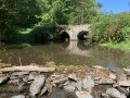 Pont en pierre enjambant la Nafraiture