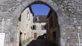 Porte féodale dans Calvignac