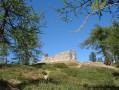 Ruines après le lac des Adus