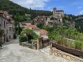 Saint Cirq à partir de l'entrée fortifiée du village