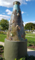 Sculpture dans le square Jean Moulin